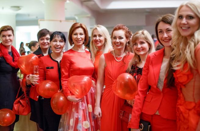 Фотоотчет с показа Красное платье