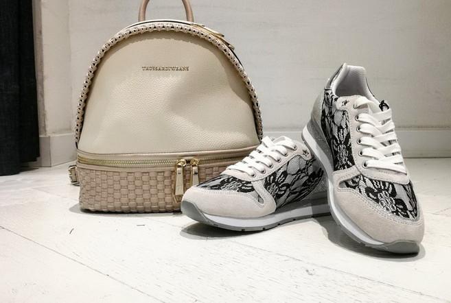 Дни обуви и сумок TRUSSARDI JEANS