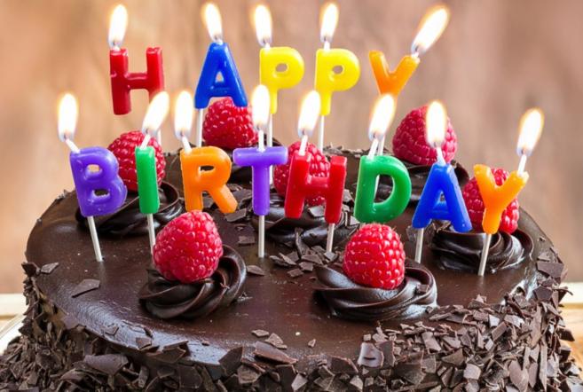 """""""Буслик"""" отмечает день рождения! Скидки до 60%!"""