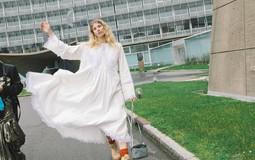 30 платьев + обувь и сумки для празднования 8 марта