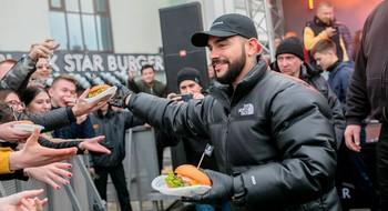 7 ноября можно получить бургер из рук Тимати