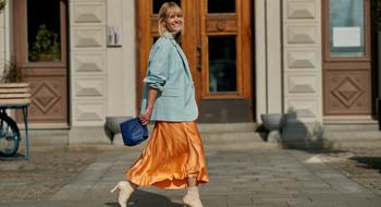 В чём пойти в театр? 9 образов от стилиста с юбкой Zara